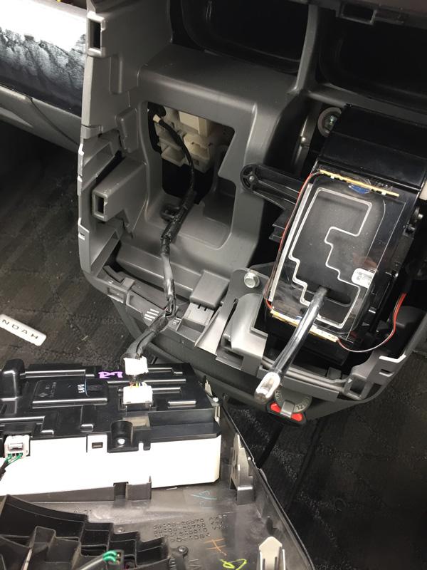 【DIY】車(NOAH70系)エアコンパネルLED打ち替え_06